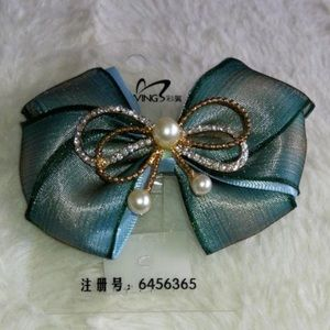 Accessories - Blue Pearled Bow Hair Clip